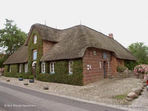 thatched roof on a residential building on the island of Föhr