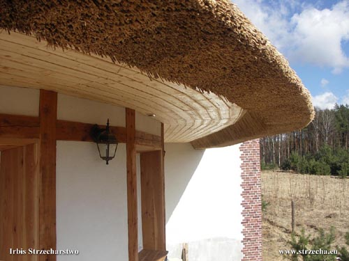 soffits on a thatched roof in the shape of a cone - Irbis