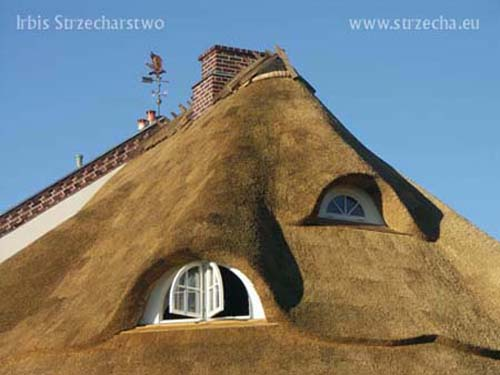 Thatching: the roof covering is pampered and impregnated with fire protection, the Irbis Thatcher