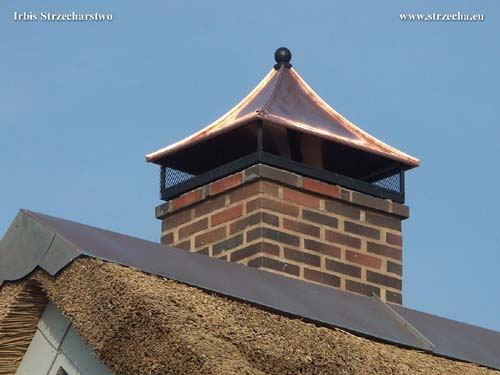 Roof on the chimney - with a spark arrestor net